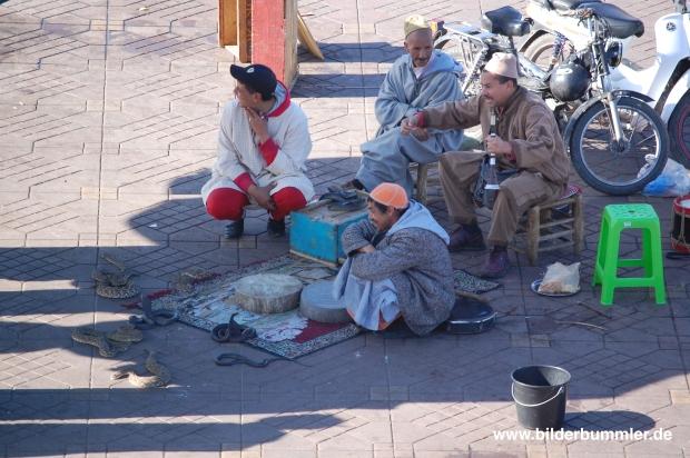 Die Schlangenbeschwörer vom Djemaa el Fna: Vorsicht, Touri-Abzocke!