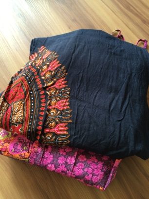 Hippikleid und Bali-Hose... etwas Bequemes und Dünnes ist auf jeden Fall ebenfalls Pflichtprogramm