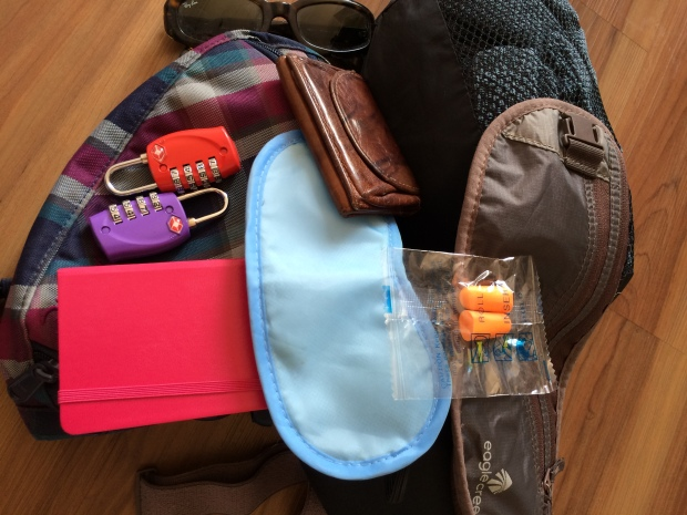 Den sonstigen Kram bekommst du auch noch mit ins Handgepäck